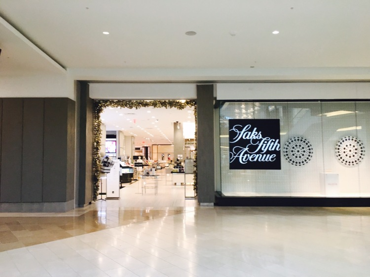 Saks Fifth Avenue, The Mall of San Juan