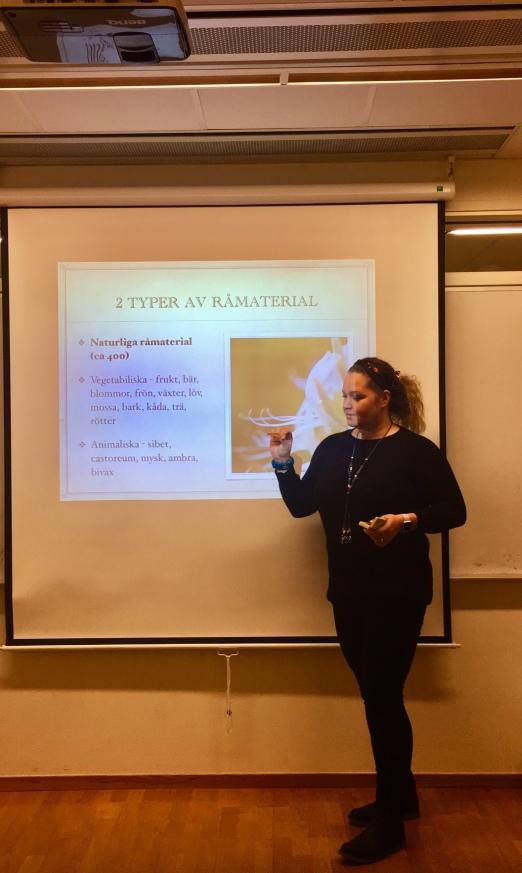 Först föreläsning, sedan workshop / Karolina Stockhaus