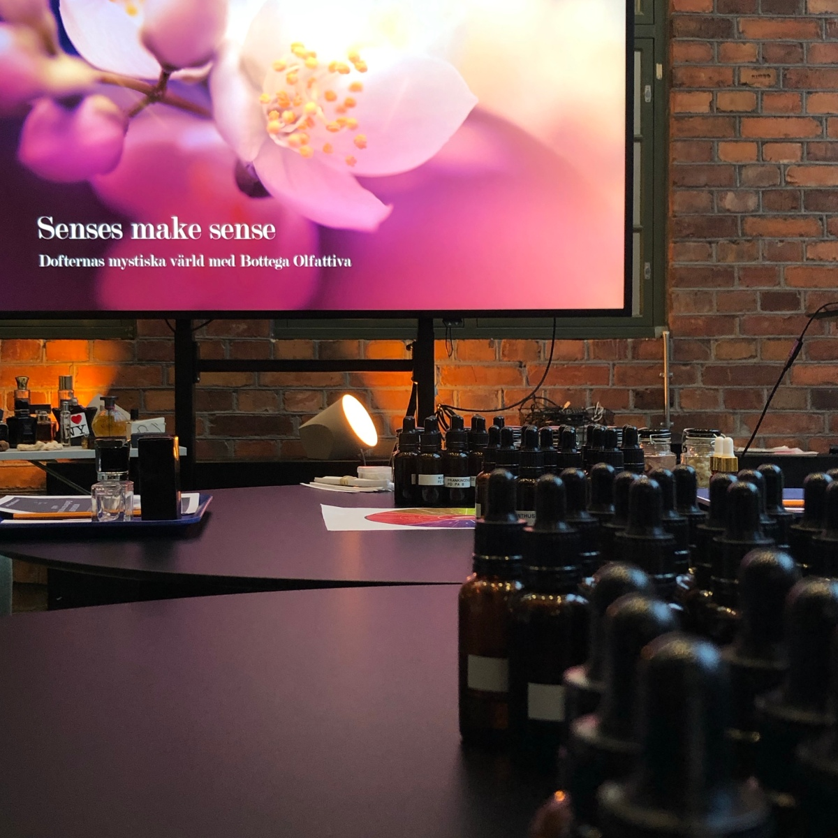 Februariworkshop FULLBOKAD! Lär dig mer om dofter och gör din egen parfym! Parfymkurs den 30:e mars