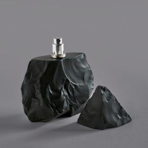 Neandertal Perfumes, Dark