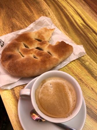 Fika med fougasette och kaffe